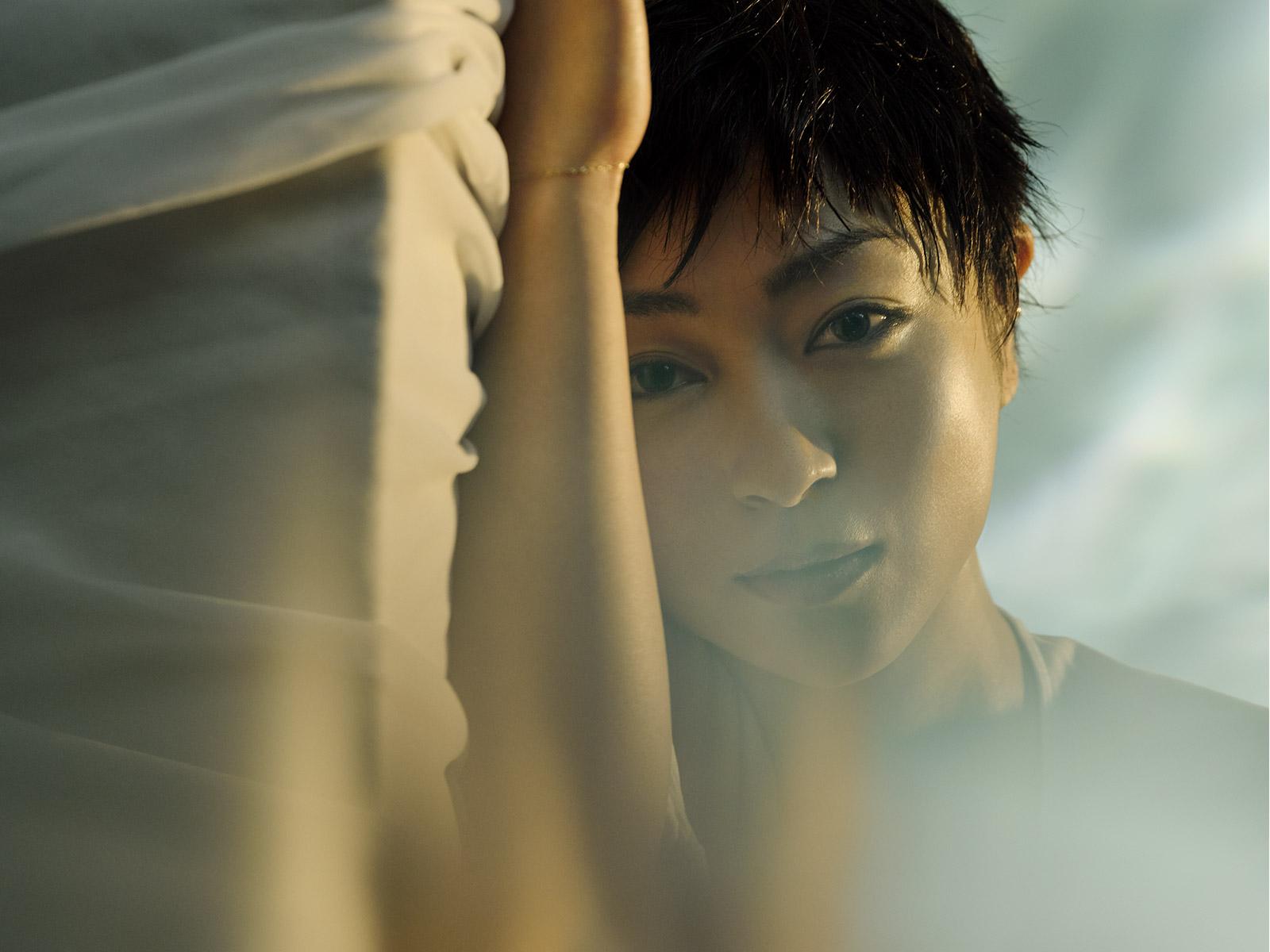 髪がなびく宇多田ヒカル